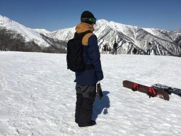 スノボの滑走中に使えるバッグ選びとおすすめを紹介します!